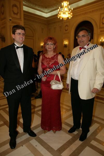 "Familia Dan Adamescu (patronul ""Romaniei libere"" si ASTRA Asigurari cu sotia si fiul)"