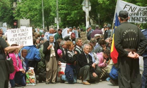 Asa arată victimele lui Vîntu (Foto: evz.ro). Niste fraieri.