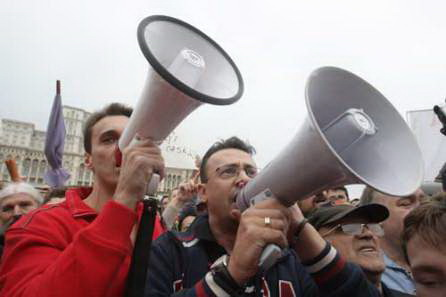 Mircea Badea şi Ciutacu, cu hidrantul lui Felix la gură. Fără batistă