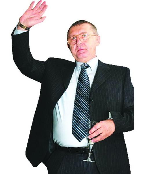 """Cornel Nistorescu, distinsul autor al analizei de presa """"NUŢI, SPAIMA PUŢII"""""""