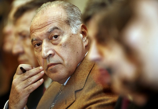 Dan Voiculescu prezideaza sedinta Comisiei parlamentare de ancheta constituita ca urmare a propunerii de suspendare a presedintelui Traian Basescu, la Palatul Parlamentului, in Bucuresti, miercuri, 21 martie 2007. BOGDAN BARAGHIN / MEDIAFAX FOTO
