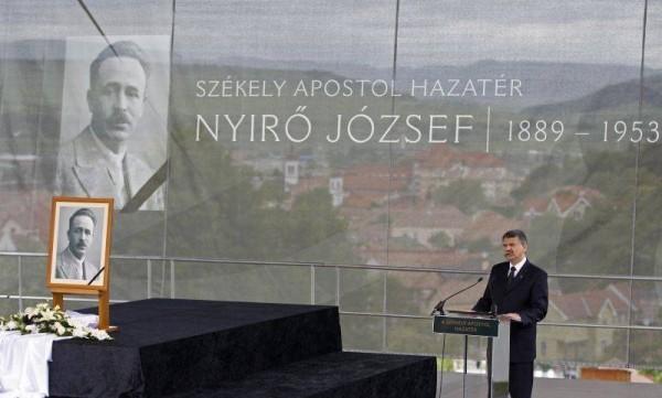 Kover Laszlo omagiindu-l, anul trecut, pe nazistul Nyiro Joszef la Odorheiu Secuiesc (Foto EvZ)
