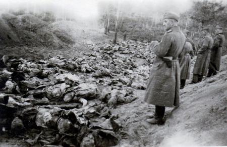 """Ungurii lui Horthy si-au făcut """"treaba"""" în zona ocupată. Acum vor si pământul de sub cei pe care i-au ucis!"""