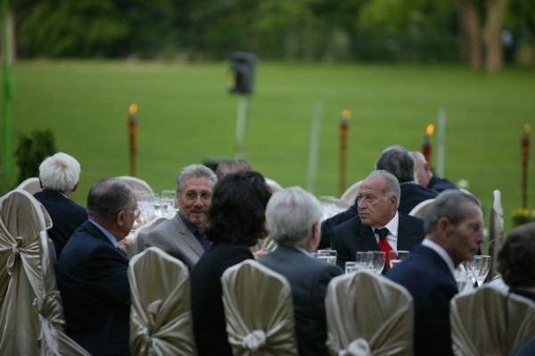 Regele cu Felix, Ilici și alți rusofili, la masă (foto: danvoiculescu.net)