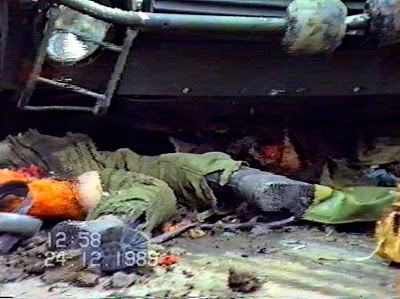 USLAȘ UCIS ( rupt în două de șenila unui tanc al Armatei române aflate sub conducerea agenților GRU)