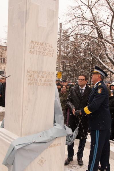 20 decembrie 2012: Dezvelirea monumentului eroilor antiteroriști