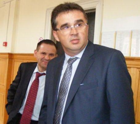 Baronul Oprişan, Secondat de cel mai scump avocat care te bagă în puşcărie fără să clipeşti! (foto: Adevărul)